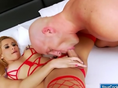 Busty shemale Shyrley Soares fucks guy